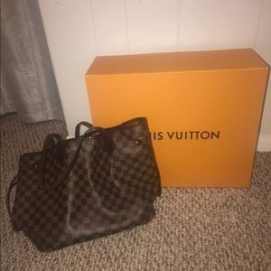 Louis Vuitton never full tote